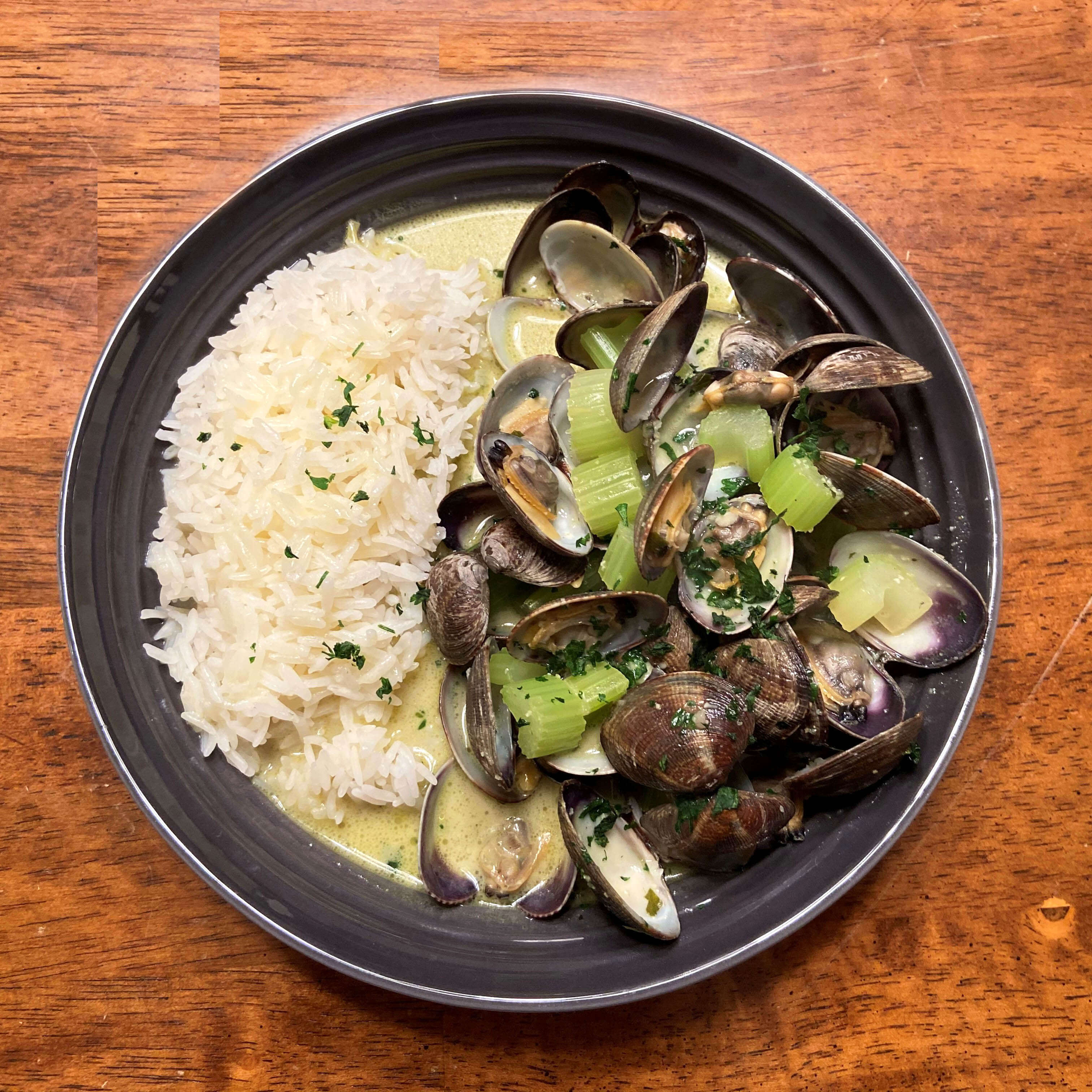 curry-clams-bowl